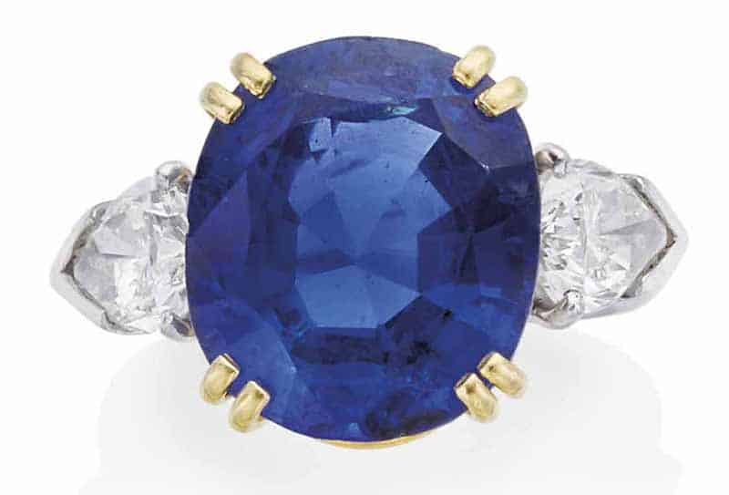 LOT 99 – SAPPHIRE AND DIAMOND RING