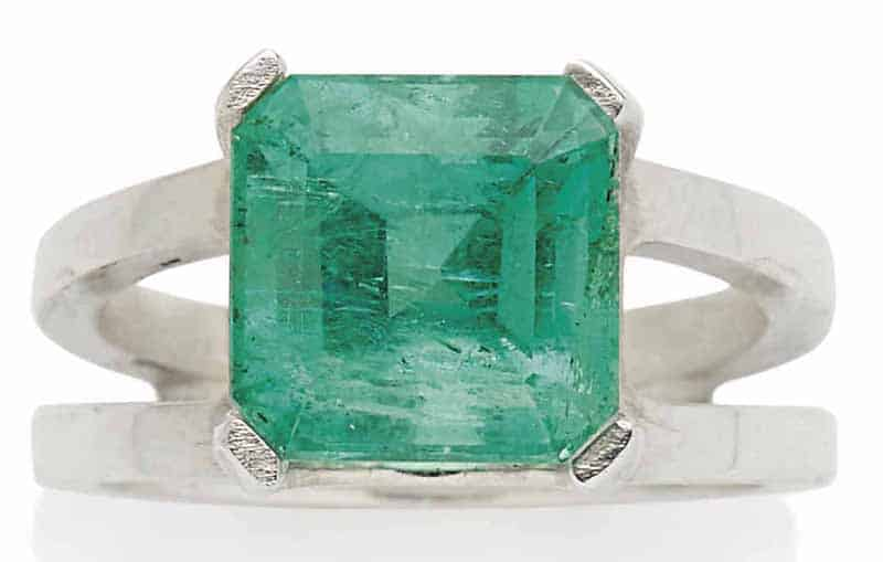 LOT 24 – EMERALD RING