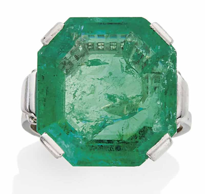 LOT 140 – EMERALD RING