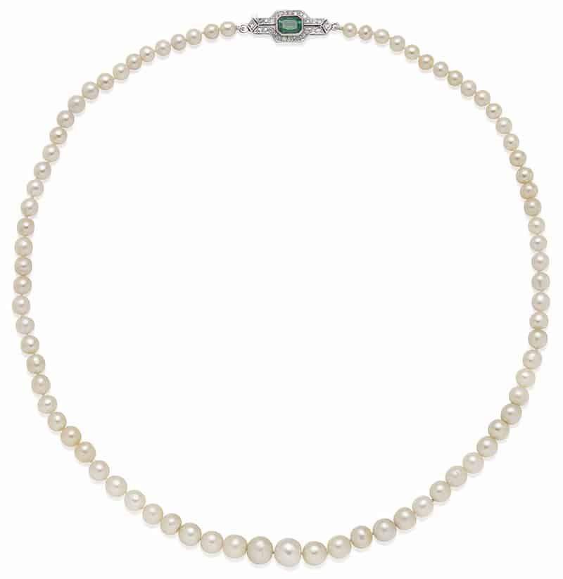 LOT 126 – NATURAL PEARL, EMERALD AND DIAMOND NECKLACE