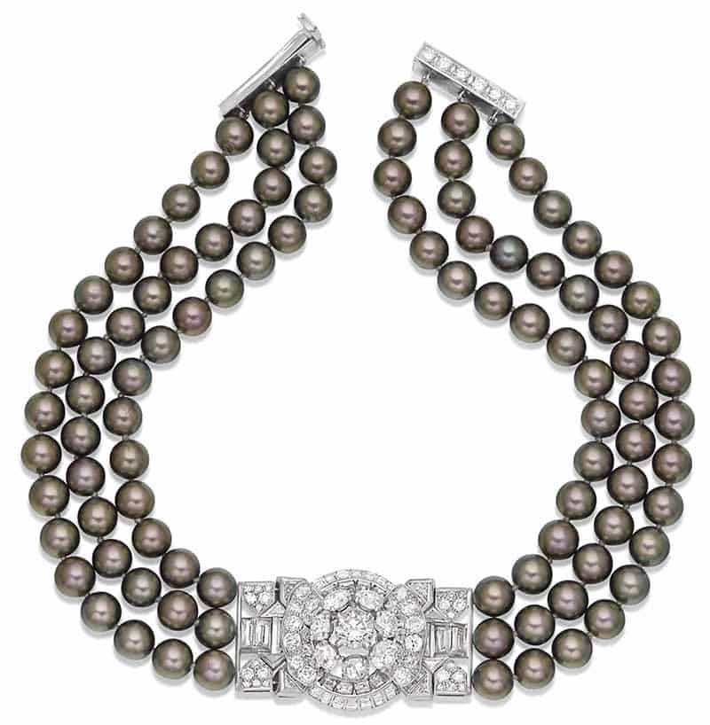 LOT 70 – CULTURED PEARL AND DIAMOND NECKLACE
