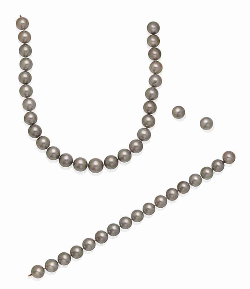 LOT 68 – CULTURED PEARL DEMI-