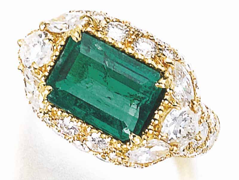 LOT 797 - EMERALD AND DIAMOND RING