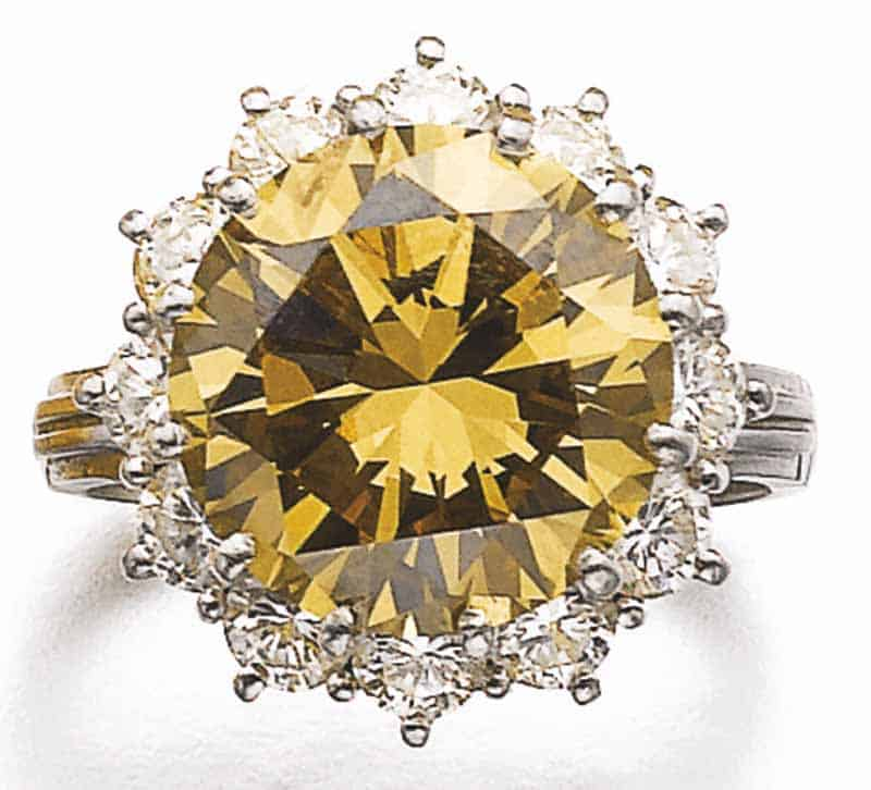 LOT 789 - FANCY YELLOW-BROWN DIAMOND RING