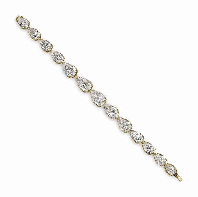 LOT 149 - AN ELEGANT DIAMOND BRACELET, BY ALEXANDRE REZA