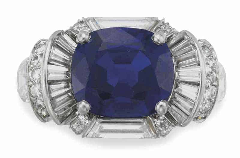 LOT 186 - A SAPPHIRE AND DIAMOND RING, BY RAYMOND YARD