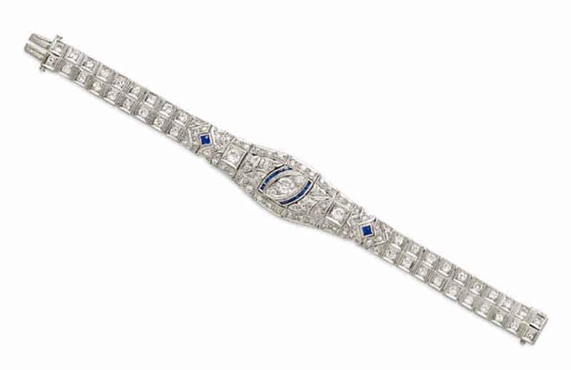 LOT 431 - A SAPPHIRE, DIAMOND AND PLATINUM BRACELET