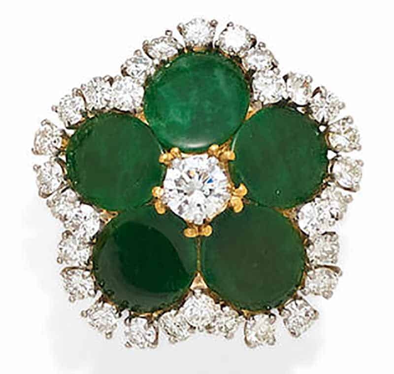 LOT 345 - A JADEITE JADE, DIAMOND AND GOLD RING