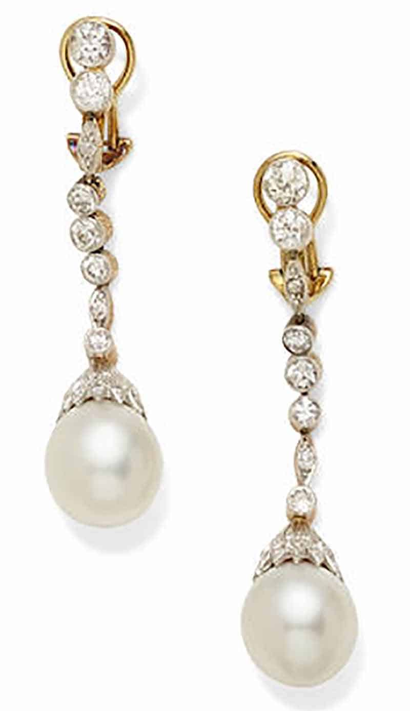 LOT 421 - A PAIR OF CULTURED PEARL, DIAMOND AND PLATINUM-TOPPED GOLD EAR PENDANTS