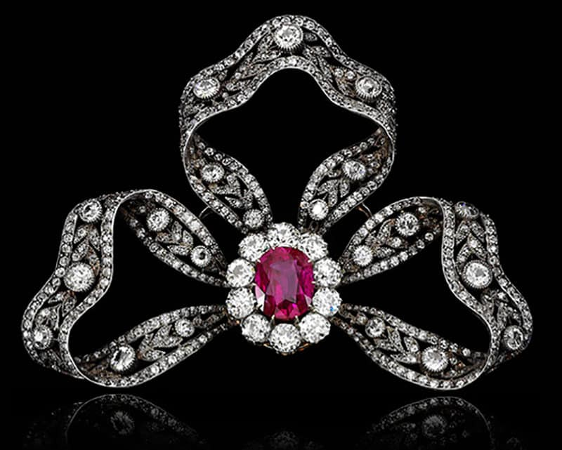 RUBY AND DIAMOND BROOCH/HAIR ORNAMENT, CIRCA 1905. GIFT FROM ARCHDUKE FRIEDRICH OF AUSTRIA.