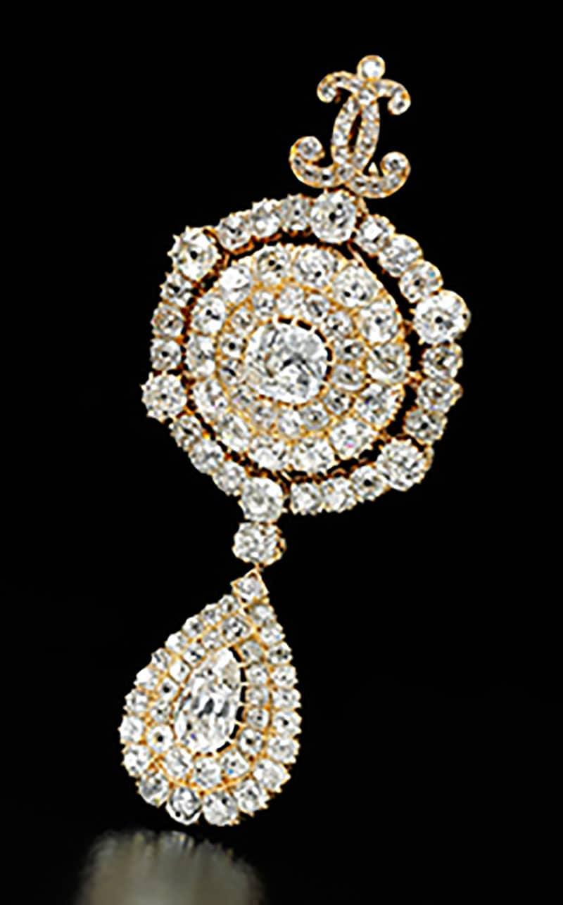 DIAMOND PENDANT/BROOCH, CIRCA 1870.