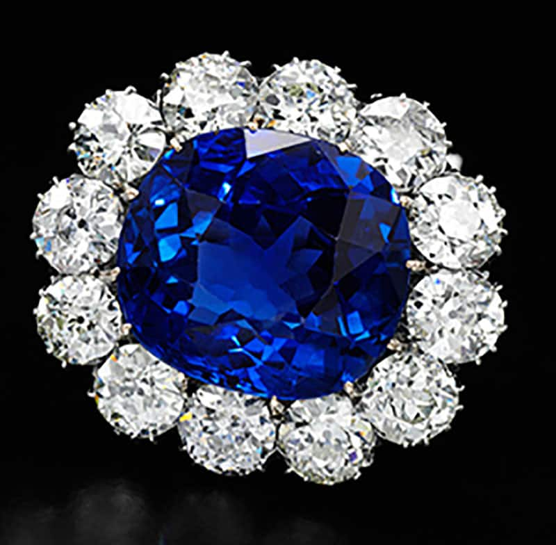 SAPPHIRE AND DIAMOND BROOCH - SAPPHIRE WEIGHING 30.70 CARATS