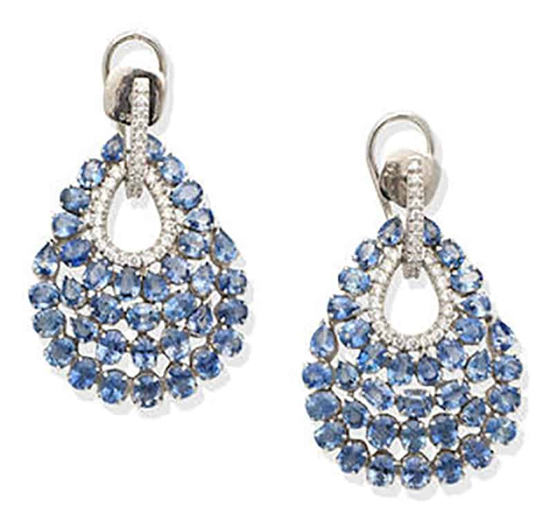 LOT 145 - A PAIR OF SAPPHIRE AND DIAMOND PENDENT EARRINGS