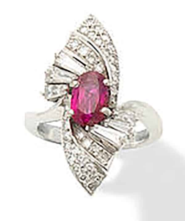 LOT 96 - A RUBY AND DIAMOND DRESS RING