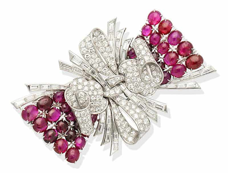 LOT 102 - A RUBY AND DIAMOND DOUBLE-CLIP BROOCH, circa 1950