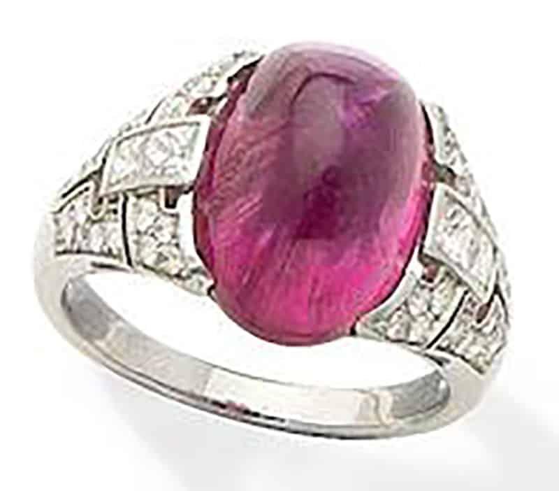 LOT 184 - A PINK TOURMALINE AND DIAMOND RING