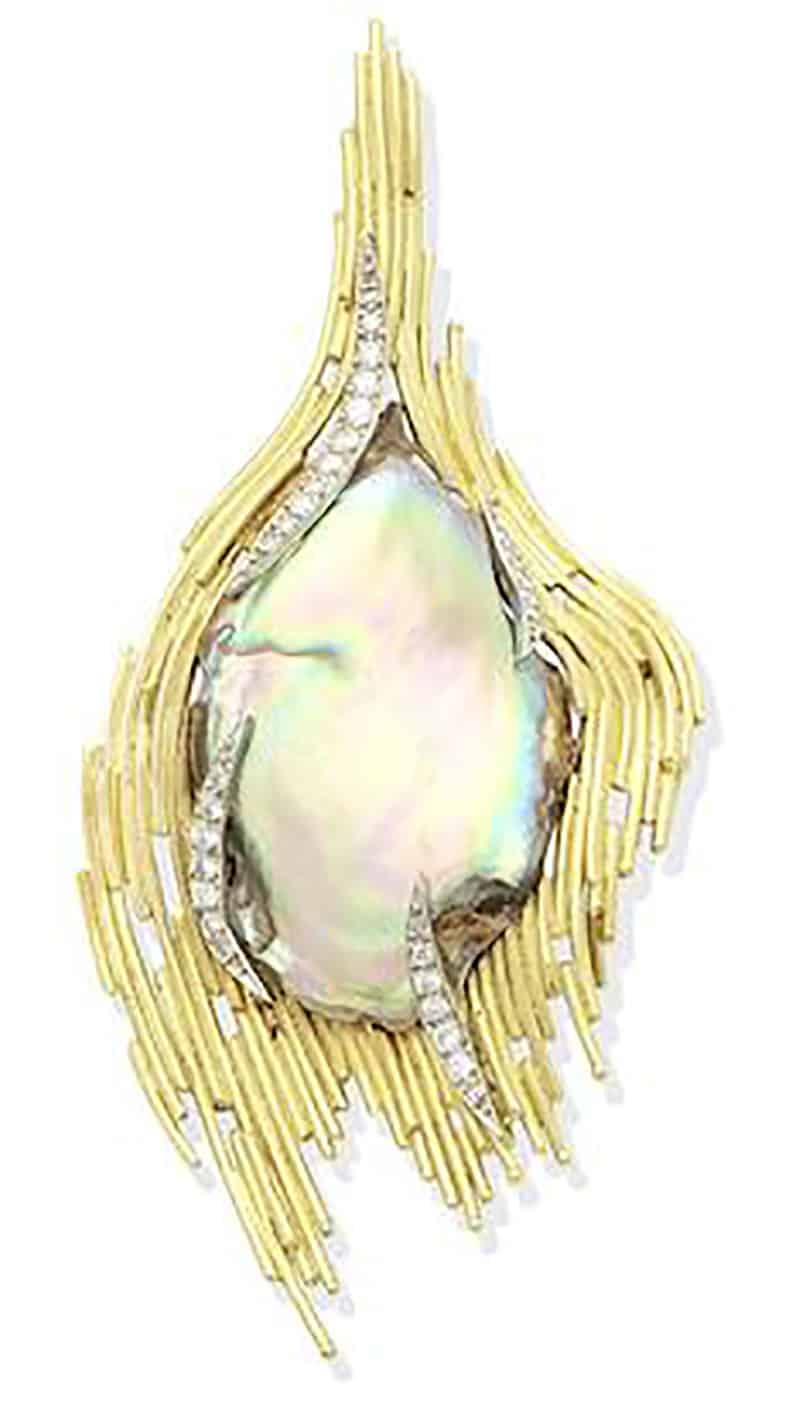 LOT 282 - A GOLD, ABALONE MOTHER-OF-PEARL AND DIAMOND BROOCH/PENDANT, BY GRIMA 1973