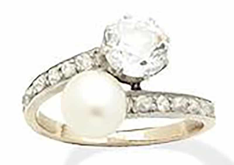 LOT 261 - A NATURAL PEARL AND DIAMOND RING, by Vever, 1900