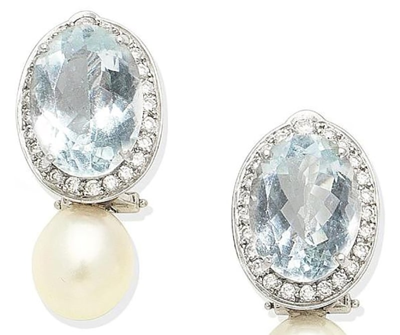 LOT 362 - A PAIR OF AQUAMARINE, CULTURED PEARL AND DIAMOND EARCLIPS