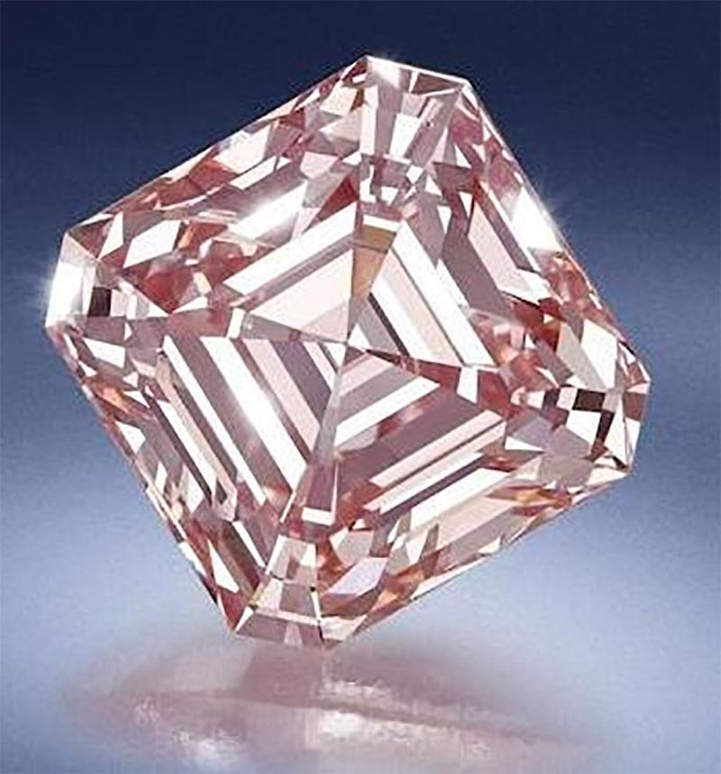 LOT 1390 - A FINE FANCY PINK DIAMOND