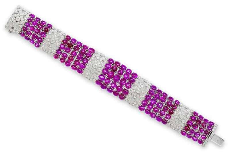 LOT 516 - A STAR RUBY AND DIAMOND BRACELET