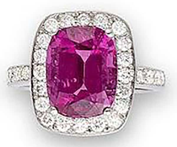 LOT 519 - A SPINEL AND DIAMOND RING