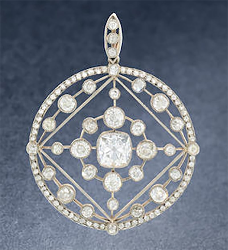 LOT 271 - AN EARLY 20TH CENTURY DIAMOND BROOCH/PENDANT