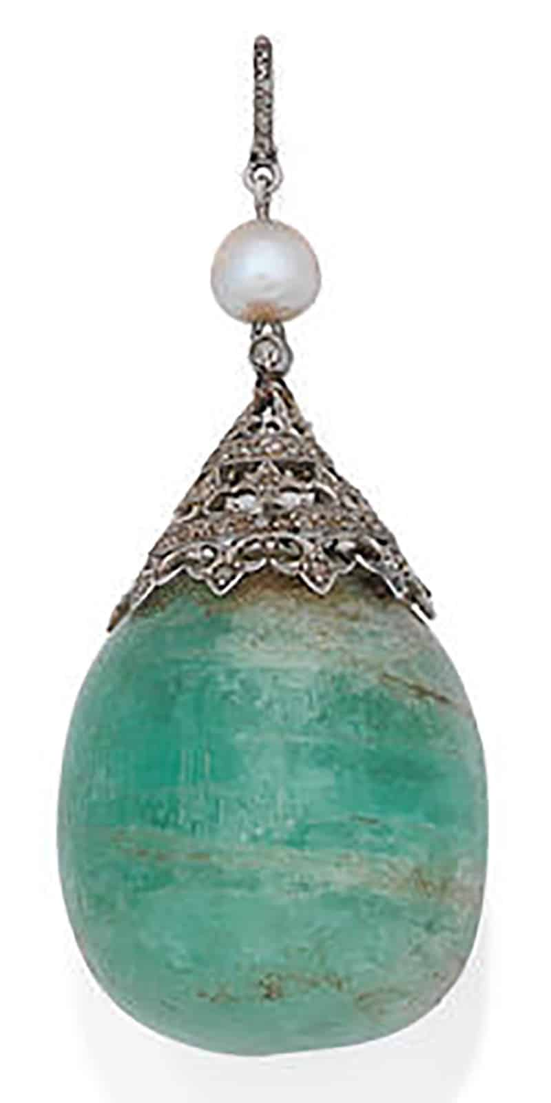 LOT 137 - AN EMERALD, PEARL AND DIAMOND PENDANT