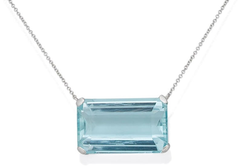 LOT 38 - AN AQUAMARINE PENDANT NECKLACE