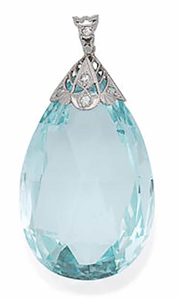LOT-138 - AN AQUAMARINE PENDANT,