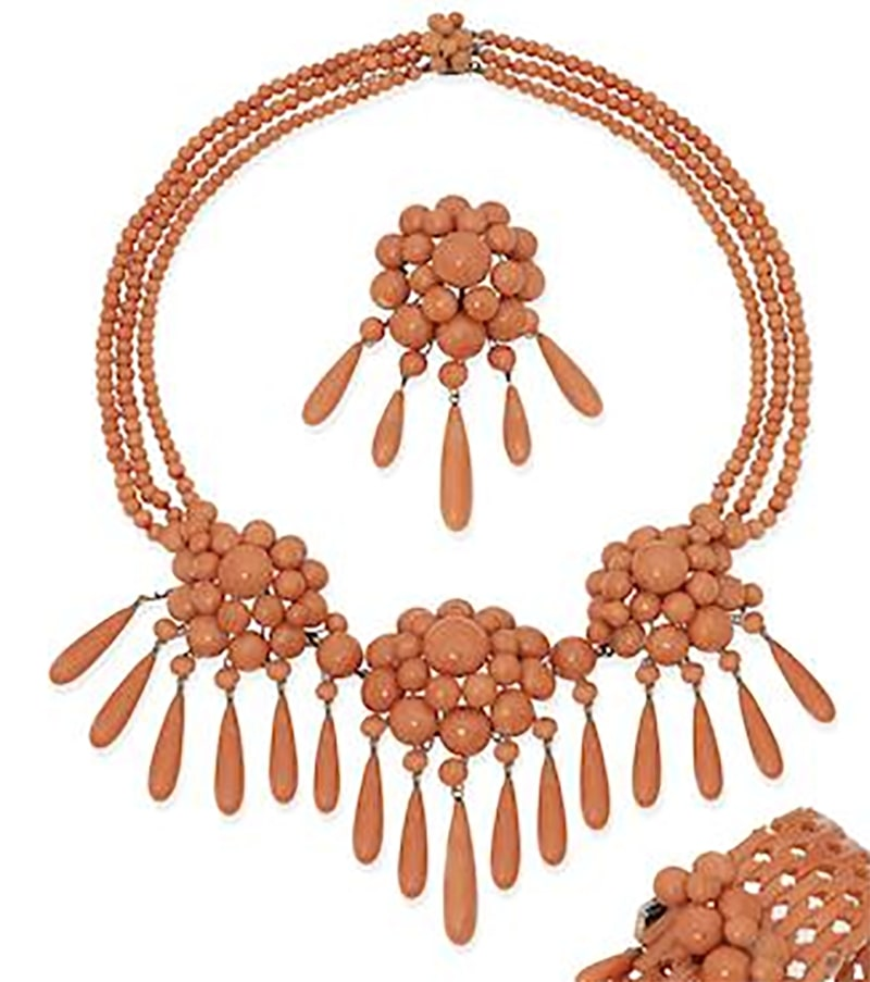 LOT 197Y - A MID 19TH CENTURY CORAL NECKLACE AND BROOCH