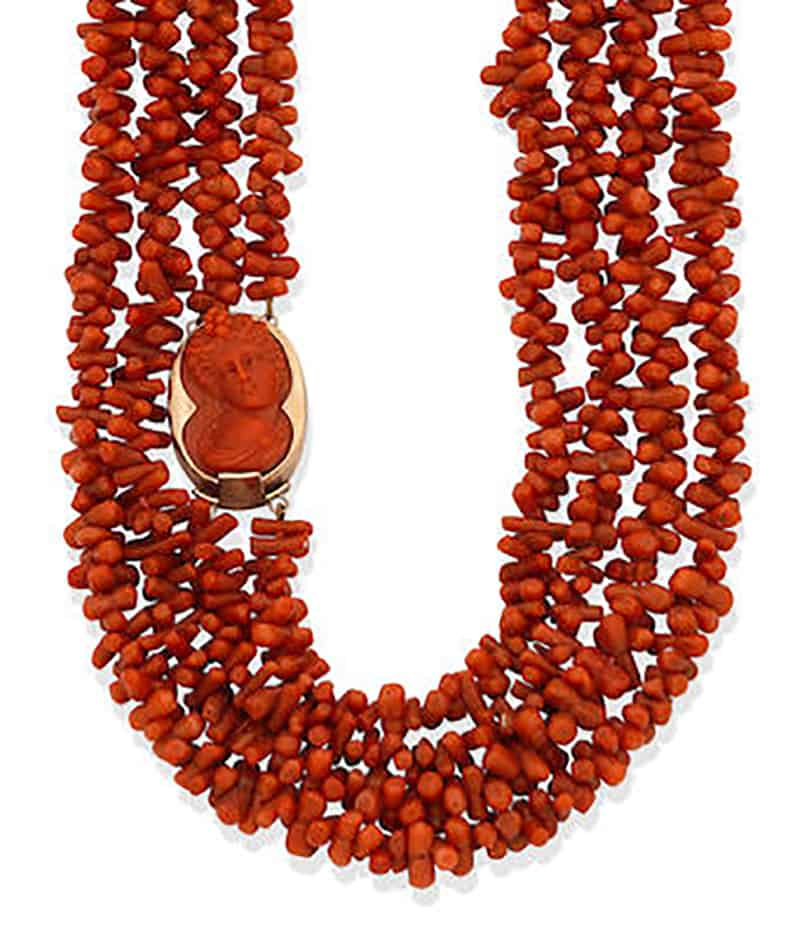 LOT 188 - A CORAL NECKLACE,