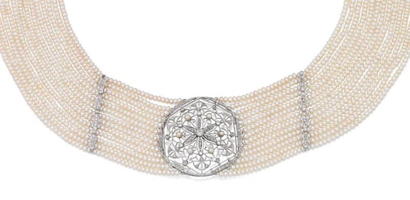LOT 143 - A DIAMOND AND SEED PEARL CHOKER