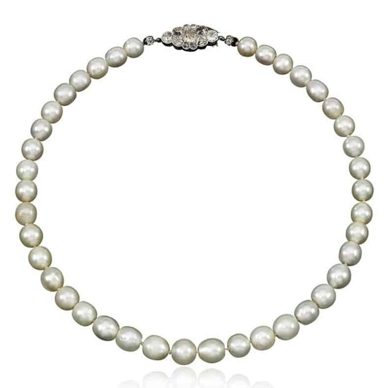 FINE SINGLE STRAND NATURAL PEARL AND DIAMOND NECKLACE