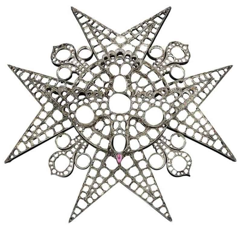 BADGE OF THE ROYAL ORDER OF HOLY SPIRIT, FROM WHICH DIAMONDS WERE OBTAINED TO CREATE MARIA ANNA'S TIARA, BY HUBNER