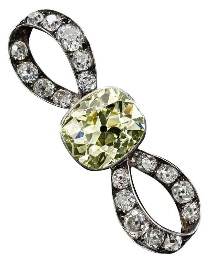 DIAMOND BOW BROOCH, LATE 19TH CENTURY