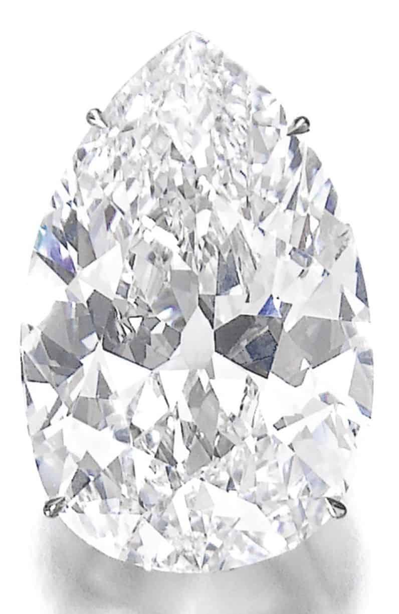 LOT 565 - IMPORTANT DIAMOND PENDANT