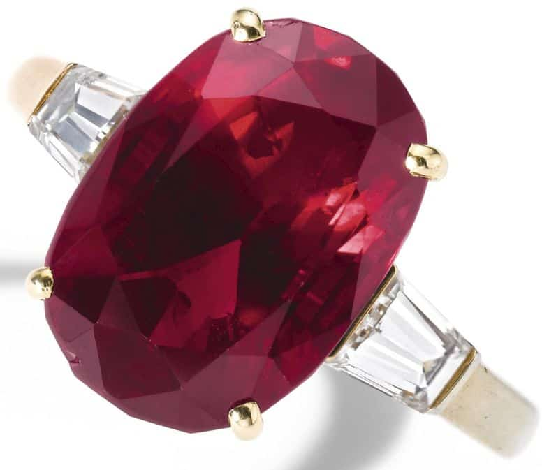 LOT 529 - RUBY AND DIAMOND RING