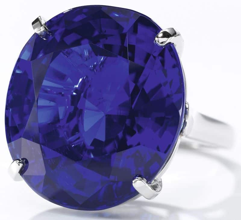 LOT 568 - EXCEPTIONAL SAPPHIRE RING, CARTIER