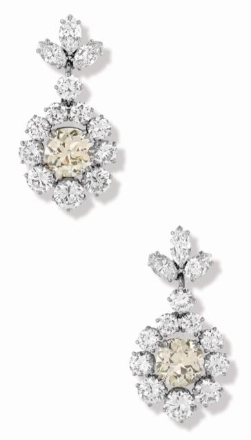 Lot 38 – A Pair of Diamond Ear Pendants Set In Platinum, Circa 1950 Estimate
