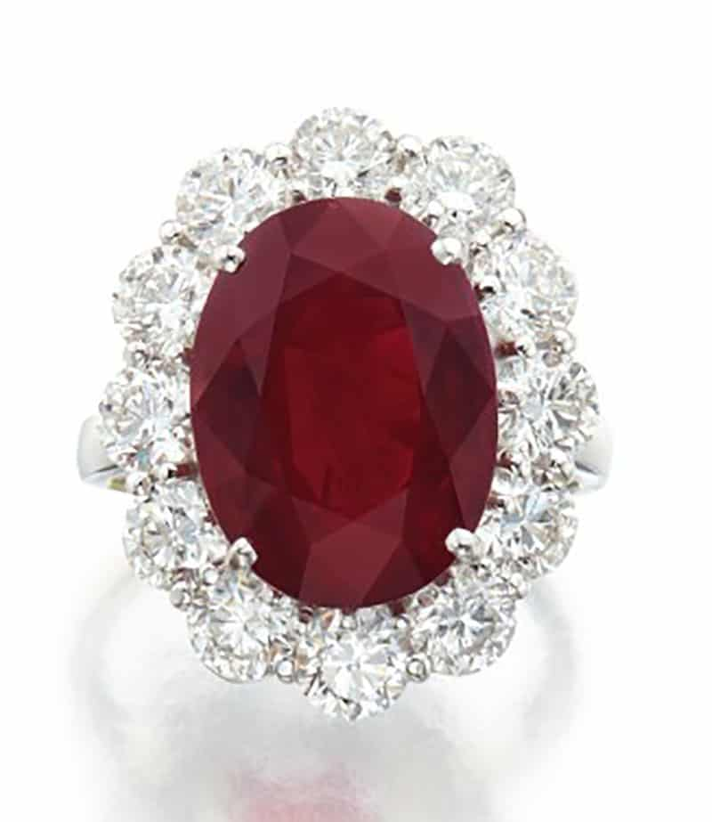 Lot 110 - A Ruby and Diamond Ring