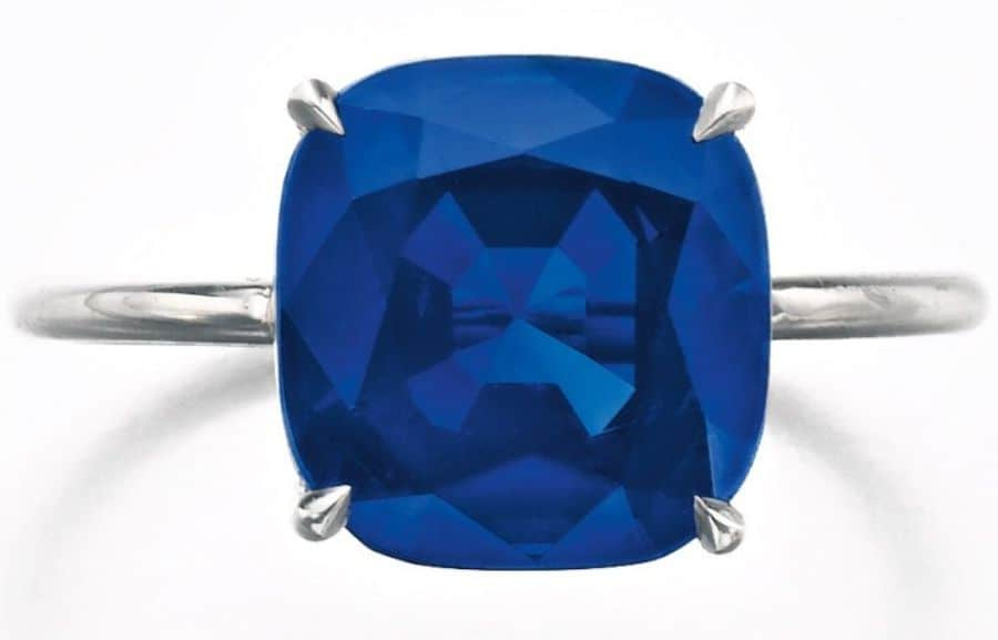 LOT-195-FINE-SAPPHIRE-RING