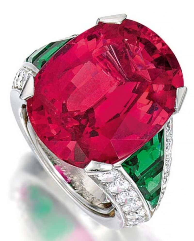 LOT-139-CARTIER-SPINEL-EMERALD-AND-DIAMOND-RING
