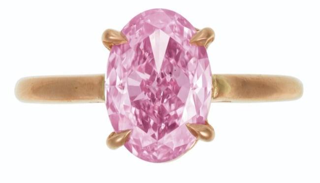 COLORED DIAMOND RING,