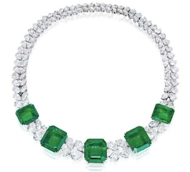 LOT 97 – HARRY WINSTON – AN IMPRESSIVE EMERALD AND DIAMOND NECKLACE