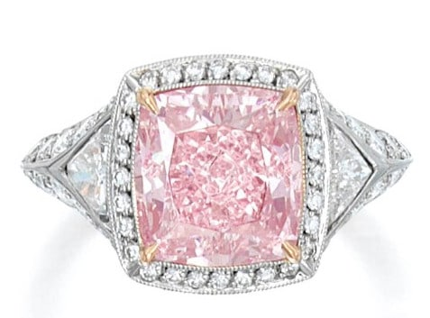LOT 43 – AN IMPORTANT FANCY INTENSE PINK DIAMOND AND DIAMOND RING