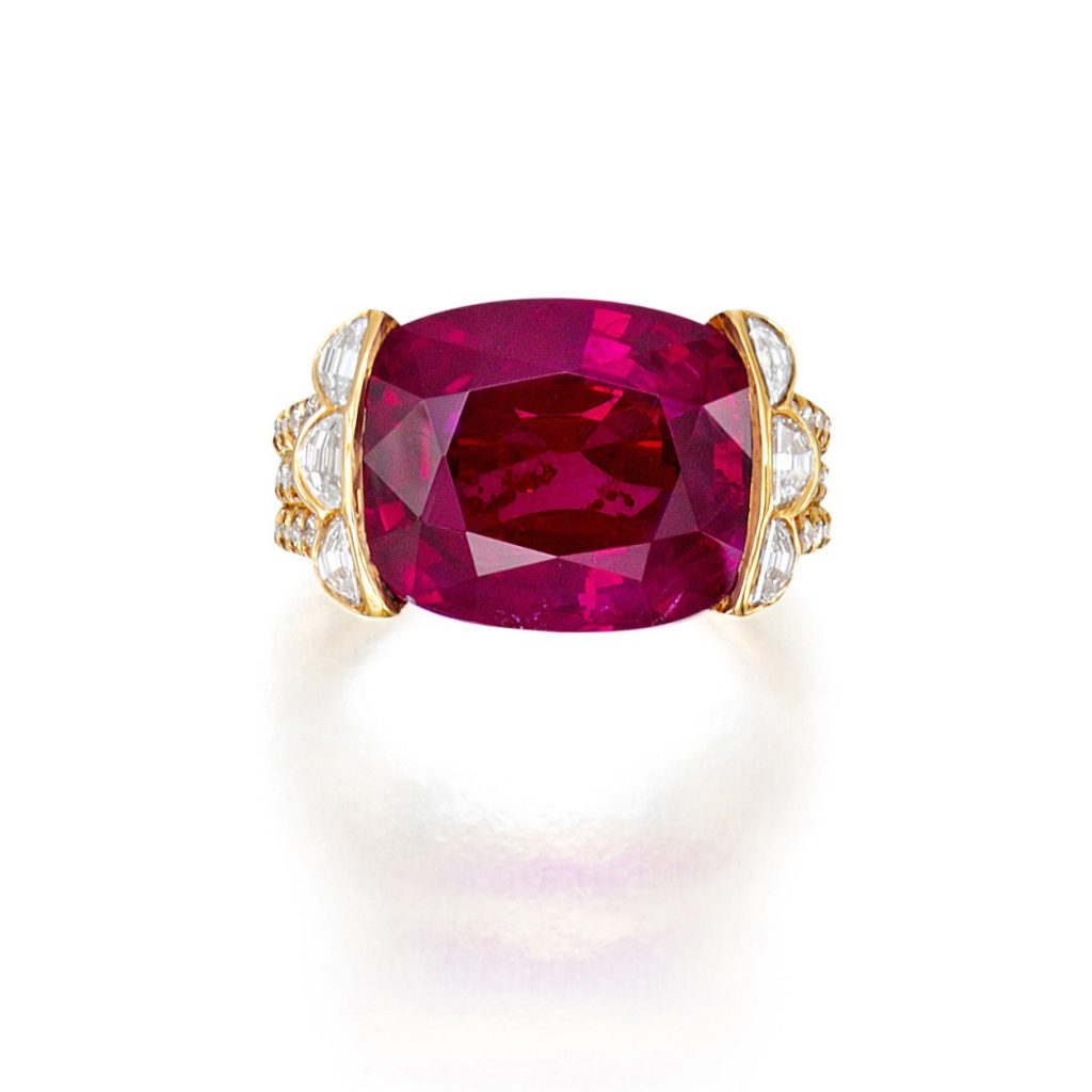 LOT 96 – AN IMPORTANT RUBY AND DIAMOND RING – MOUINTED BY CARVIN FRENCH