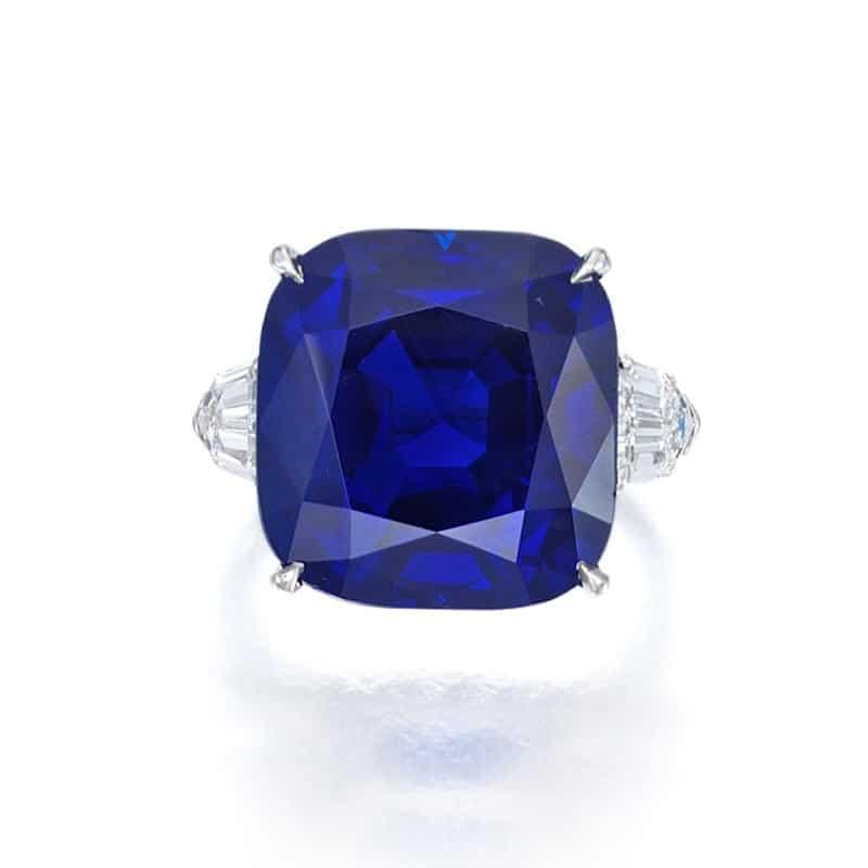 LOT 67 – BULGARI – A SUPERB SAPPHIRE AND DIAMOND RING